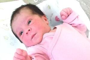 Karinka Figeczká (3000 g a 48 cm) sa narodila 22. júna maminke Katke Figeczkej a Jakubovi Gaučíkovi.