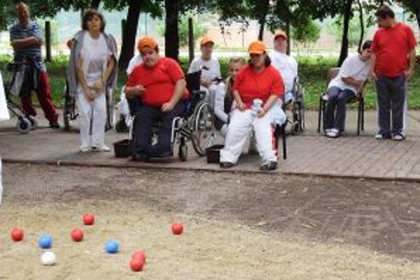 Boccia je nenáročná hra pre starších i hendikepovaných ľudí.