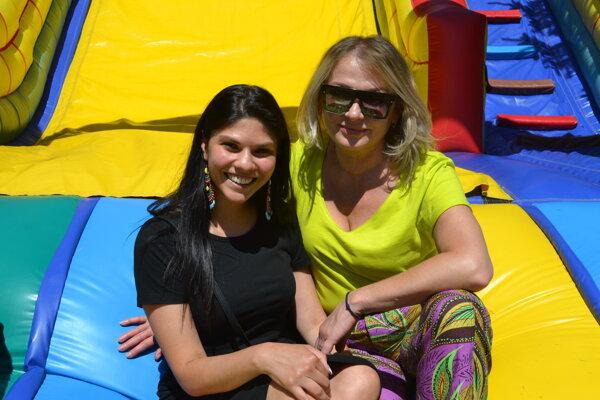 Natália Kubičková (vľavo) s riaditeľkou Centra pre deti a rodiny v Prešove Danou Krištofovou.