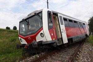 Podľa doterajších informácií by vo vlaku nemal byť nikto zranený.
