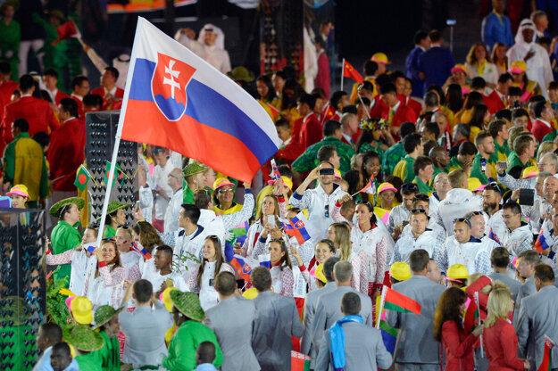 Vlajkonosičkou Slovenska na otváracom ceremoniáli OH Rio 2016 bola Danka Barteková.
