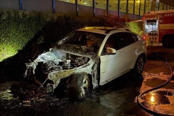 Auto zostalo v nepojazdné.