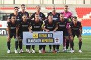 FC ViOn tretíkrát dostal štyri góly v prvom polčase ligového zápasu, predtým so Slovanom (2013) a Žilinou (2008), úplne prvýkrát však šiel do šatne s debaklom 0:4. Po obrátke razantne obrátil prístup k hre, Yilmaz mal veľké šancu a jednu aj Bednár, ale napokon platí, že Zlaté Moravce vyhrali otvárací zápas sezóny iba dvakrát zo štrnástich prípadov (2011 a 2017 doma proti Ružomberku).