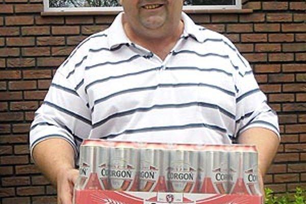 Pre kartón piva Corgoň od spoločnosti Heineken si prišiel víťaz 4. kola Štefan Varga z Topoľnice.