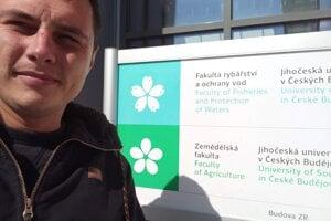 Michal študuje rybárstvo a ochranu vôd na vysokej škole.