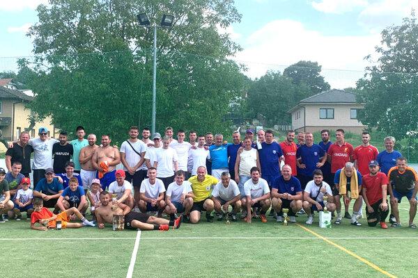 V Lehote sa stretli športovci na letnom turnaji v malom futbale.