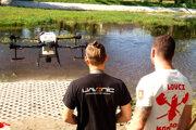 Zásah proti larvám komárom larvicídom BTI aplikáciou dronom sa uskutočnil 21. júla 2021 na jazere v Devínskej Novej Vsi.
