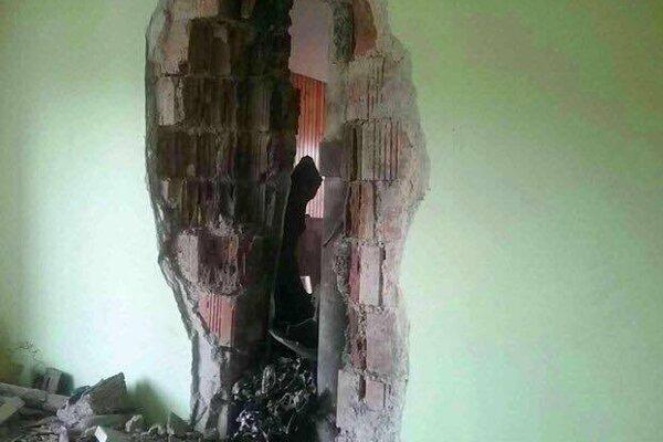 Po údere guľového blesku do domu v Detve.