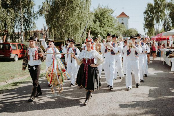 Obec Červeník cez víkend ožije folklórom.