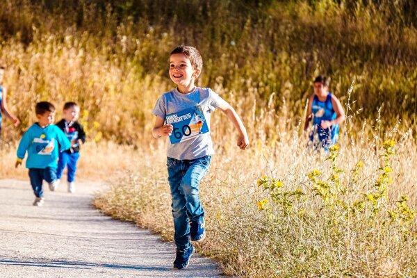 Nedostatky v koordinácii môžu ovplyvňovať sociálny, emocionálny aj fyzický vývoj dieťaťa.
