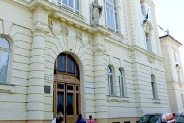 Krajský súd v Nitre potvrdil pre pedofila doživotný trest.