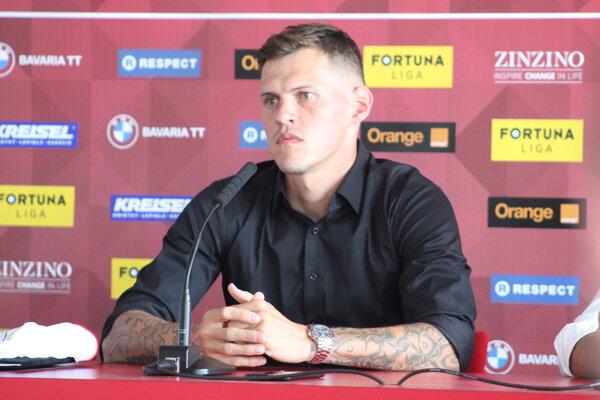 Martin Škrtel na tlačovej konferencii po podpise zmluvy so Spartakom Trnava