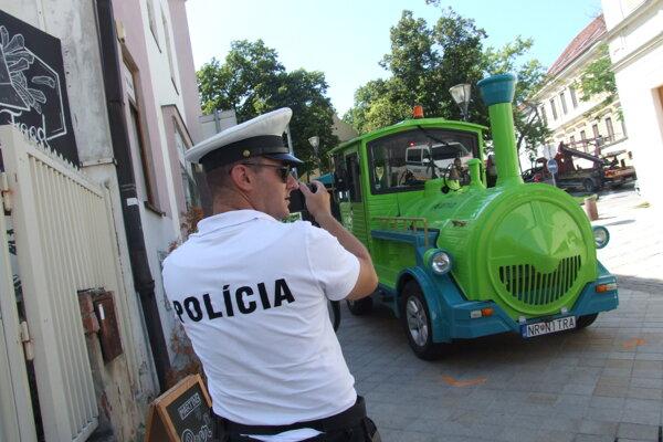 Kolíziu vyšetruje polícia ako dopravnú nehodu.
