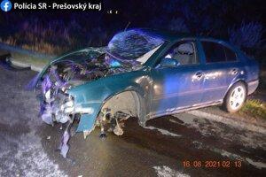 Škodovka po nehode, jej vodič zomrel.