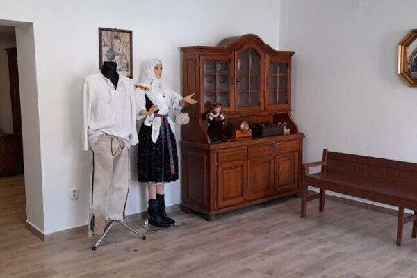 Izba v Dolnom Vadičove pripomenie život predkov.