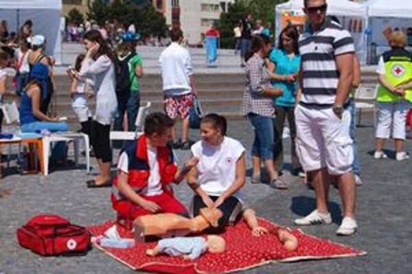 Na Európskom dobrovoľníckom turné v Nitre sa prezentoval aj Slovenský Červený kríž.