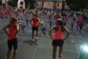 Na desiatom ročníku nočného behu centrom Lipt. Mikuláša- Night run bežalo 456 bežcov.