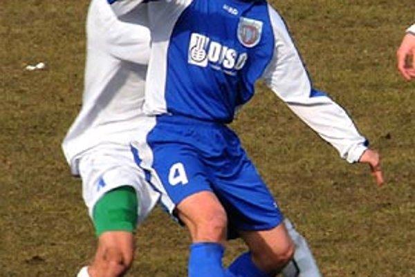 Autorom jediného gólu bol Marek Tomiš (v modrom).