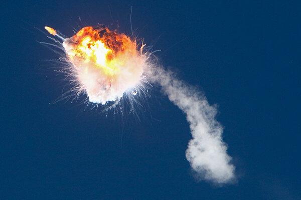 Výbuch rakety  Alpha súkromnej americkej leteckej spoločnosti Firefly Aerospace.