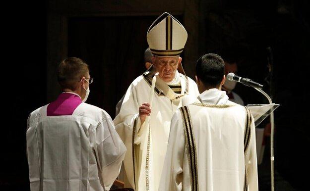 Vidieť pápeža na vlastné oči sa chystajú tisíce Slovákov.