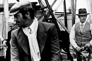 Jean-Paul Belmondo (vľavo) a Alain Delon sa stretli spolu vo filme Borsalino režiséra Jacquesa Deraya.