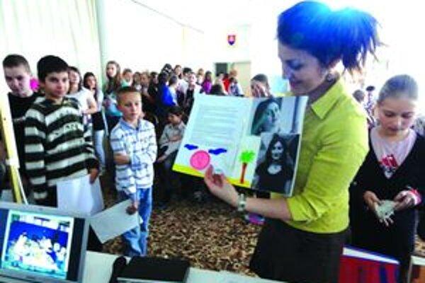 Svoje skúsenosti zo zahraničia povedala  žiakom z Galanty.