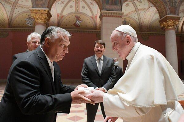 Pápež František sa stretol s maďarským premiérom Viktorom Orbánom.