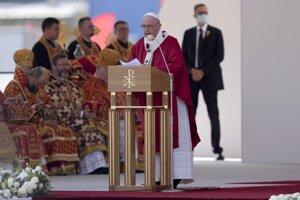 Pápež František v priebehu kázne.