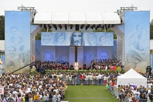 Príhovor Svätého Otca počas stretnutia s mladými na Štadióne Lokomotíva.