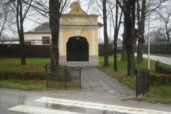 Kaplnka v Hájskom má po novom už aj alarm systém.