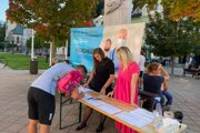 ľudia môžu petíciu podpísať na rôznych miestach.