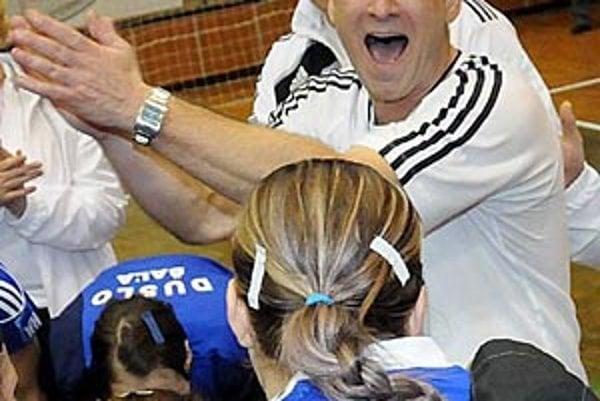 Naše výsledky sú podložené poctivou prácou, vraví tréner Šale Michal Lukačín.