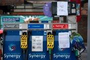 Zatvorená čerpacia stanica v Manchestri.