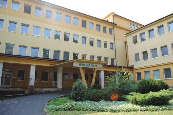 Najväčší nárast covidových pacientov zaznamenala mestská Nemocnica Snina.