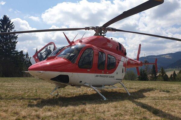 Na pomoc priletel aj záchranársky vrtuľník.