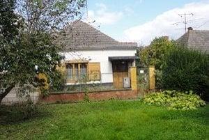 V tomto rodinnom dome dobodal Branislav svoju starú mamu.