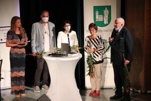 Autori publikácie (zľava): Mária Volárová, Martin Šimovec, Michaela Kobidová, Eva Berková, Pavol Mešťan.