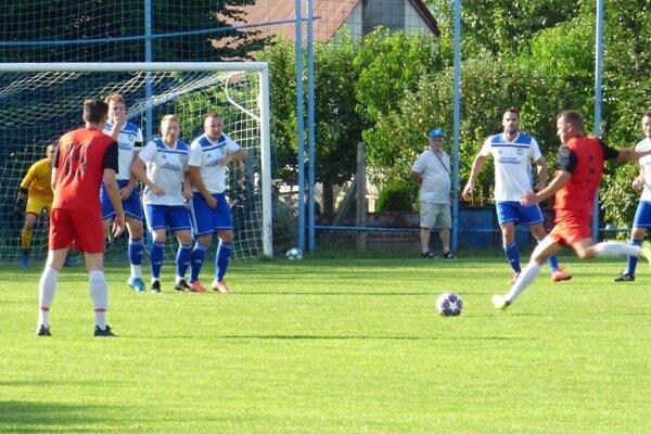 Momentka zo zápasu Borovce – Moravany.