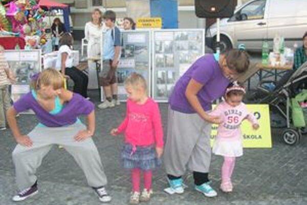 Na vlaňajšom Divadelnom jarmoku sa deti učili aj tancovať hip-hop.