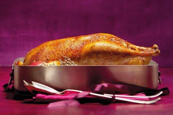 Pečená kačka s kapustou a zemiakovou knedľou