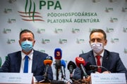 Minister pôdohospodárstva Samuel Vlčan (vpravo) a šéf PPA Jozef Kiss.