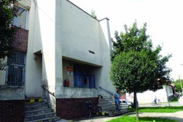 Trezory na poštách v Levickom okrese zlodeji zatiaľ nedobyli.