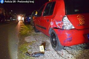 Po nehode zostali tri zničené autá.