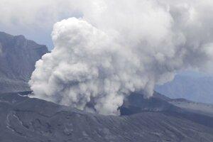 Japonský vulkán Aso.