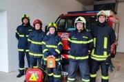 Pätica hrdinov, ktorá pomocou AED zachránila ľudský život.