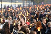 V Budapešti sa spomienkový pochod pri príležitosti 65. výročia protikomunistickej revolúcie konal už v piatok.