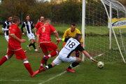 Momentka zo zápasu Horná Súča (v červenom) proti Myjave B.
