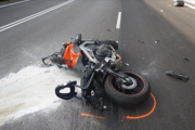 Motorkár po nehode zraneniam podľahol.