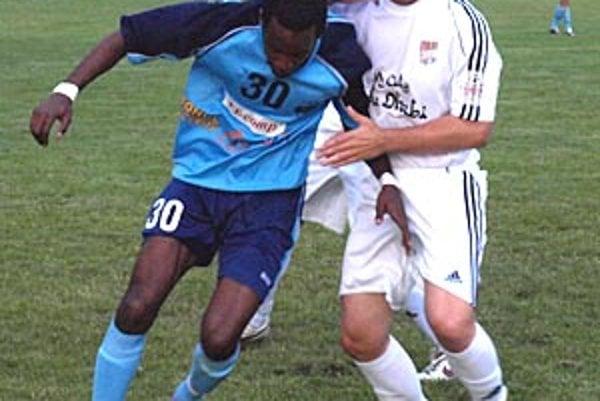 Jediný gól stretnutia FC Nitra - DAC vo Váhovciach strelil Brazílčan Sergio Vito Paris.