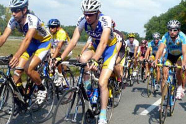 Pelotón cyklistických pretekov Okolo Slovenska odštartuje 31. augusta v Nitre.